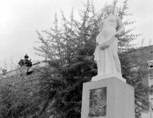 estatua Dr. Martí i Julià
